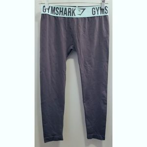 Gymshark cropped fit legging, small.